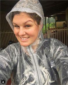 Vinyl Raincoat, Pvc Raincoat, Plastic Raincoat, Imper Pvc, Shiny Happy People, Plastic Mac, Equestrian Girls, Hooded Cloak, Pvc Vinyl