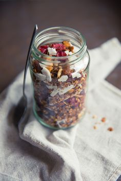 Everyday Granola with coconut & cranberries and spiced with cinnamon & clove <3