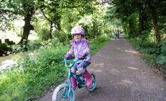 Lon Las Menai from Caernarfon to Y Felinheli is a route on the National Cycle Network, connecting Caernarfon to Y Felinheli. Free Spirit Bike, Kids Cycle, Bike Path, Trail Maps, Kids Bike, Us Map, Coastal, Cycling, Bicycle