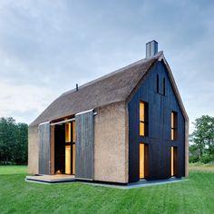Contemporary barn residence, Germany. Möhring Architekten, Berlin. Stefan Melchior photo.