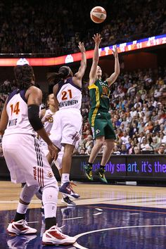 CT Sun vs Seattle Storm, WNBA, Sue Bird, Renee Montgomery, Kara Lawson, Mohegan Sun, Basketball.  ©Harper Photography