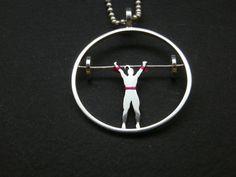Colgante halterofilia de plata, inspirado en la atleta olímpica Lidia Valentin