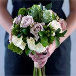 bukiet ślubny: kapusta, róża, dziurawiec, eustoma