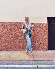 A girl who laughs. Minimal Wardrobe, Minimal Outfit, Minimal Fashion, Minimal Style, Summer Chic, Spring Summer Fashion, Spring Outfits, Autumn Fashion, Daily Fashion
