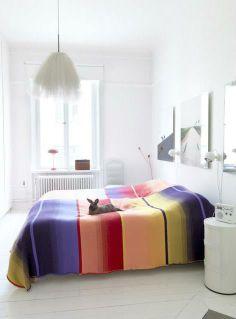 Kolorowa sypialnia - jak się do niej zabrać? http://domomator.pl/kolorowa-sypialnia-sie-niej-zabrac/