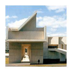 UMass Fine Arts Center, Roche/Dinkeloo Fine Arts Center, Mid Century Design, Mansions, House Styles, Home Decor, Decoration Home, Manor Houses, Room Decor, Villas