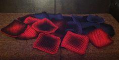 Isoäidinneliöt odottavat jatkotoimia. Lanka Viron villaa. Blanket, Patterns, Crochet, Block Prints, Ganchillo, Blankets, Cover, Crocheting, Comforters