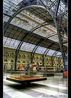 Estació de França railway station in Barcelona - Catalonia, Spain Barcelona Sights, Barcelona Catalonia, Barcelona Travel, Bilbao, Barcelona Architecture, Architecture Details, Beautiful Buildings, Beautiful Places, Hotel W