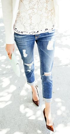 Lace top, ripped skinny jean rolled up, pointed toe heel. Classy yet casually street looking