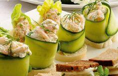 Snitte med rejesalat og agurk