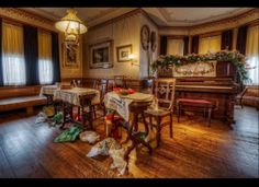 A Huffington Post post that feaures a few of my Mark Twain House & Museum images from a Christmas shoot: Give Twain: Give Twice | Cindy Lovell