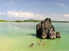 Caramoan island beach resort Camarines Sur, Philippines - PHILIPPINES AFFORDABLE BEACH RESORT