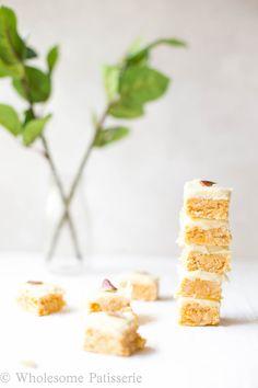 No Bake Vegan Lemon Slice - Wholesome Patisserie Vegan Snacks, Healthy Treats, Vegan Desserts, Raw Food Recipes, Sweet Recipes, Savoury Biscuits, Chocolate Slice, Muesli Bars, Speed Foods