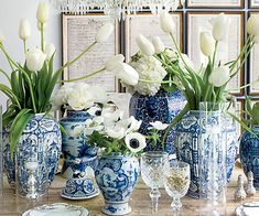 Because blue-and-white porcelain, whether it comes in the form of tabletop or decorative accessories, is something we'll never tire of.