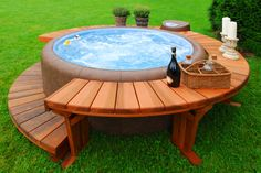 A Jacuzzi has pums that alow force creation to expel water form jets at various pressures.to control water temperature between a Jacuzzi vs Hot Tub Mini Piscina, Hot Tub Bar, Hot Tub Deck, Backyard Hot Tubs, Backyard Ideas, Desert Backyard, Hot Tub Gazebo, Sloped Backyard, Pergola Ideas