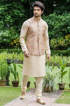 Block Print Jacket With A Classic Beige Kurta Indian Wedding Clothes For Men, Sherwani For Men Wedding, Wedding Dress Men, India Fashion Men, Indian Men Fashion, Kurta Pajama Men, Kurta Men, Waistcoat Men Wedding, Nehru Jacket For Men