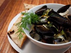 Mussels with Dill and White Wine