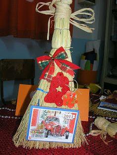 Νηπιαγωγός από τα πέντε...: ΗΜΕΡΟΛΟΓΙΑ ΓΙΑ ΜΙΑ ΤΕΛΕΙΑ ΧΡΟΝΙΑ!!!-ΙΔΕΕΣ ΑΠΟ ΤΟ ΔΙΑΔΙΚΤΥΟ... Xmas Decorations, Decoupage, Calendar, Gift Wrapping, Activities, Christmas Ornaments, Holiday Decor, Diy, Blog
