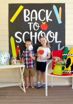 FREE PRINTABLE Back To School Photobooth Props by Lindi Haws of Love The Day