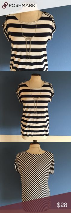 """🆕 The Limited Striped Top NWT - This cute top is perfect for your upcoming vacation.  The stripes are thick on the front and skinny on the back.  Buttons align the shoulder.  Pair with white or black pants, capris or shorts.  Measurements (Flat):  Length - 24""""/Bust - 19.5""""/Waist - 18"""" The Limited Tops"""