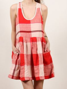 This looks amazing for summer. Sorbetto top with a gathered rectangle skirt?