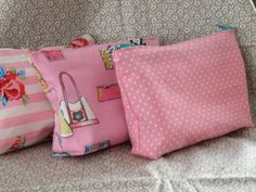 Give-aways for a girl's birthday party. Easy pouches with zippers, filled with girlgoodies. They love it.