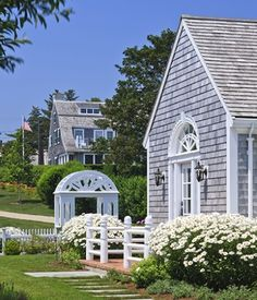 Pretty Nantucket homes. It is hard to imagine that this small island, 30 miles off the coast of Cape Cod, was once the greatest whaling port in the world. From Nantucket harbor, hundreds of ships set sail on long difficult voyages near and far in pursuit of the mighty whale.