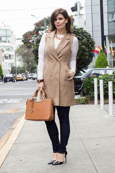 DIVINA EJECUTIVA: Mis Looks - El abrigo sin mangas