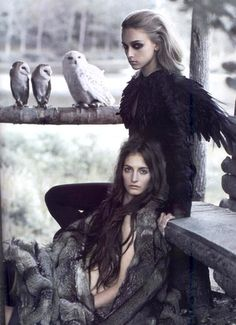 I love owls. Maybe not enough to dress in feathers. But enough that this photo is very, very neat.