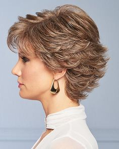 Short Hair With Layers, Short Hair Cuts For Women, Short Hairstyles For Women, Bob Hairstyles, Swedish Blonde, Gabor Wigs, Light Blonde Highlights, Gold Blonde, Layered Haircuts