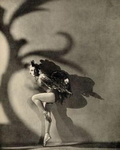 "deshistoiresdemode: "" Tatiana Ryaboushinskaya as the Golden Cockerel [Russian Ballet] _ Photo by Horst P. Horst, ""Horst: Photographer of Style"" @ Victoria and Albert Museum. Vintage Photographs, Vintage Photos, Horst P Horst, Ballet Beau, Vintage Ballet, Vintage Dance, Vintage Burlesque, Russian Ballet, Ballet Costumes"