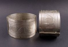 ~~Pair of khal khal  berber or tuareg anklets from Algeria, tuareg jewelry, tuareg silver, ethnic  tribal jewelry, african berber bracelet