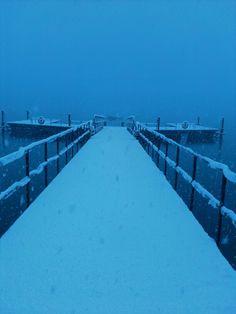 光源の設定違って撮ったら、なんかエエ感じの、誰もいない桟橋