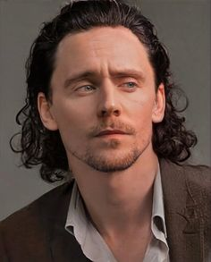 Loki Marvel, Marvel Jokes, Marvel Actors, Tom Hiddleston Loki, Thomas William Hiddleston, Loki Aesthetic, Loki Wallpaper, Toms, Tommy Boy