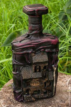 Бутылка, декорированная глиной и кожей. Handmade.