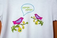 Spanish tees for bilingual babies from Los Pollitos Dicen