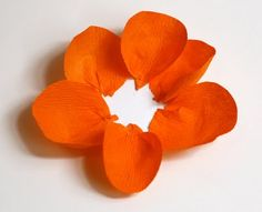 Make flowers from crepe paper | How About Orange