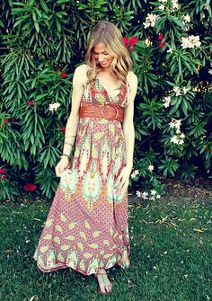 If I were a woman, I would wear this...except without the belt. Honestly though, I envy women and their summer dresses. So easy, so comfortable.