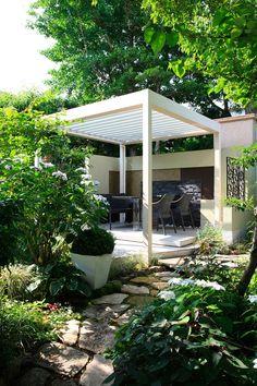 緑茂る絵本のような庭と隠れ家 - GardenStory (ガーデンストーリー)