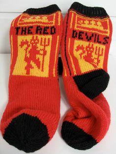 ManU sokker Knitting Socks, Fashion, Knit Socks, Moda, Fashion Styles, Fashion Illustrations