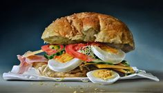 Sandwich realistic oil paintings by Dutch Artist Tjalf Sparnaay