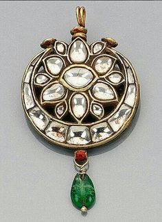 Sagar Jewellers Royal Jewelry, India Jewelry, Gems Jewelry, I Love Jewelry, Jewelry Art, Antique Jewelry, Jewelery, Jewelry Design, Hyderabadi Jewelry