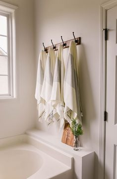 Walk-in Pantry Design Bathroom Towel Hooks, Small Bathroom, Master Bathroom, Bathroom Ideas, Decorative Bathroom Towels, Bathroom Rack, Rental Bathroom, Master Baths, Gold Bathroom