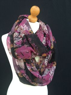 PRETTY VINTAGE PINK PUPRLE CREAM FLORAL ABSTRACT LADIES SNOOD SCARF COWL WRAP