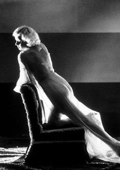 Cinema Style File--the 1930s Glamour of Jean Harlow | GlamAmor