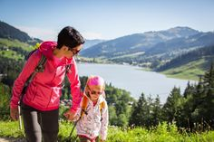 © Pascal Gertschen #fribourgregion #family #hiking #swisslake #nature