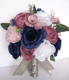Are you thinking about having your wedding by the beach? Are you wondering the best beach wedding flowers to celebrate your union? Here are some of the best ideas for beach wedding flowers you should consider. Bridal Bouquet Pink, Silk Flower Bouquets, Blush Bridal, Bride Bouquets, Flower Bouquet Wedding, Silk Flowers, Blush Bouquet, Blue Flowers, Mauve Wedding