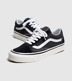 ce1f95aebb0 Vans Anaheim Old Skool Dames - find out more on our site. Find the freshest