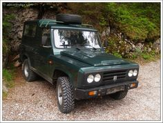 ARO (Romania) - 1957 - 2006) Old Jeep, Jeep 4x4, Car Makes, Car Wheels, All Cars, Romania, Cars And Motorcycles, Classic Cars, Automobile