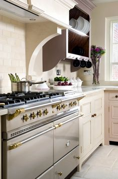 Chalon Canopy & Extractor Over Cooker